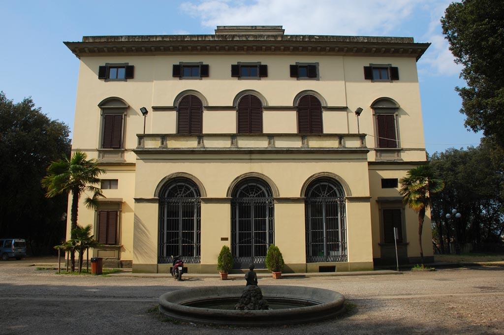 images/stories/Villa_Strozzi_-_South_Facade_02.jpg